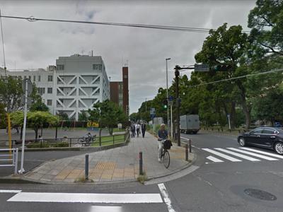 そのまま大通り公園沿いを直進